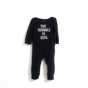 Carters Graphic Sleeper Size 9m